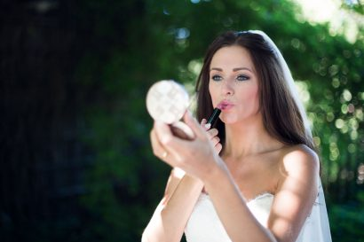 Hochzeitsfotografie Braut schminken botanischer garten augsburg zammgfasst