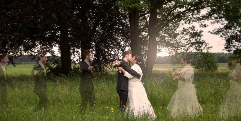 hochzeitsfoto aussergewöhnliche montage ehepaar kuss