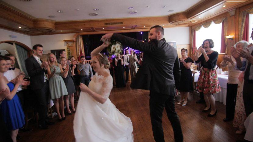 Hochzeitsvido Screenshot Ehepaar Hochzeitstanz zammgfasst